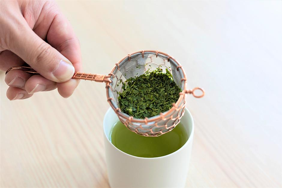 """急須不要?  一杯の日本茶を楽しむ""""茶こしの使い方""""(前編) 1899 CHACHACHA BLOG"""